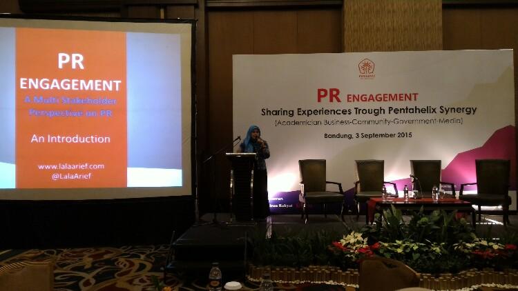 Ketua Perhumas Bandung Nurlaela Arief saat memberikan sambutan