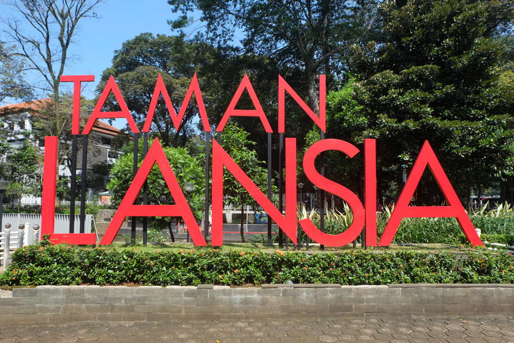 Taman Lansia / Destinasi Bandung