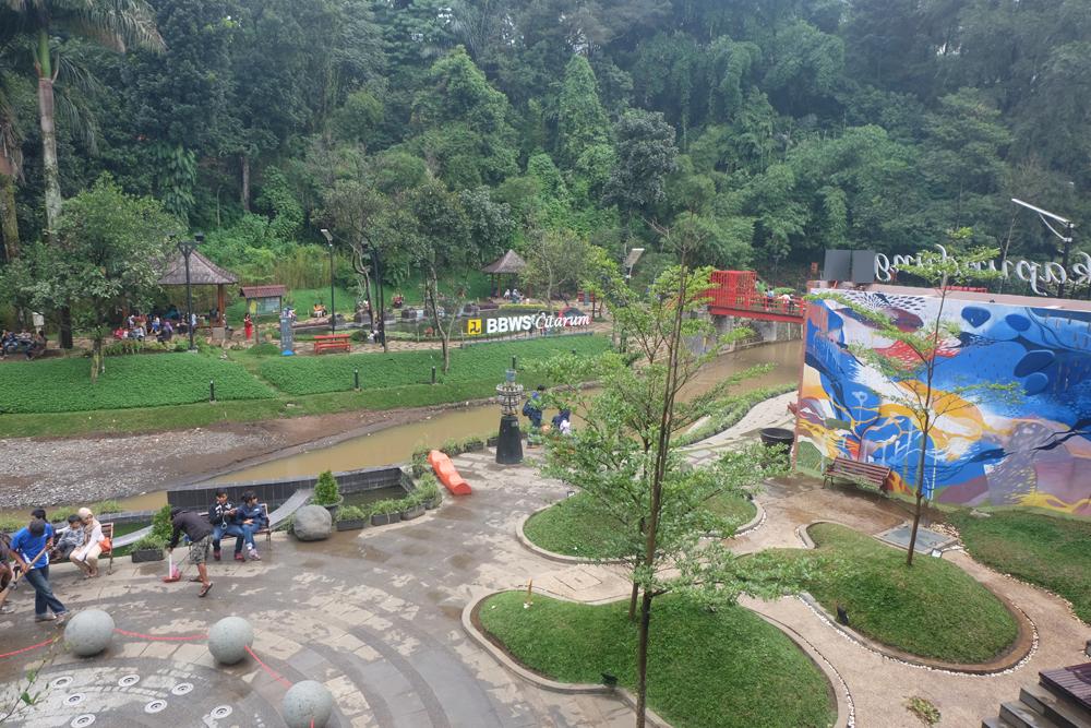 Taman teras Cikapundung / Destinasi Bandung