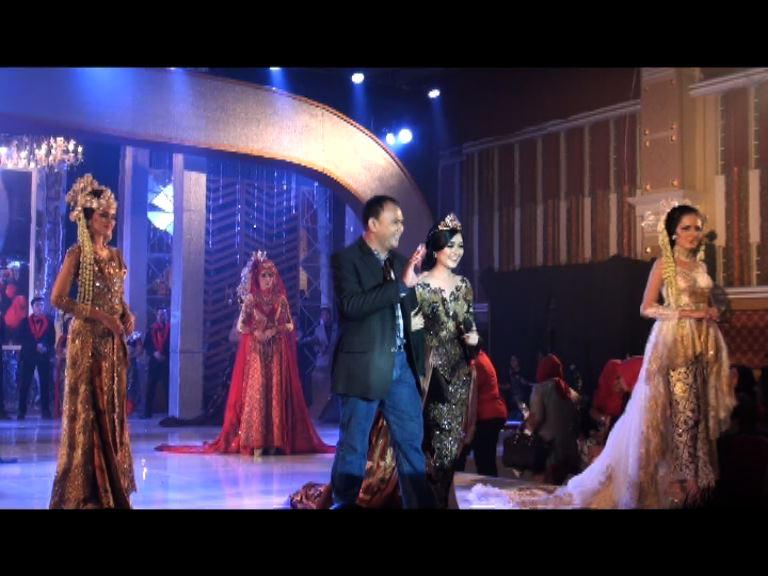 "Fashion show ""Nyai Anteh"""