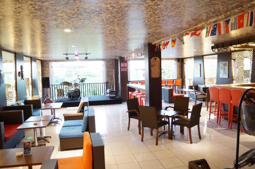 Gamma Cafe & Bar / Destinasi Bandung