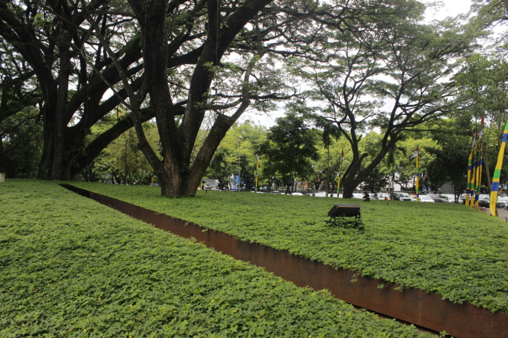 Taman Labirin Balkot Bandung / Destinasi  Bandung