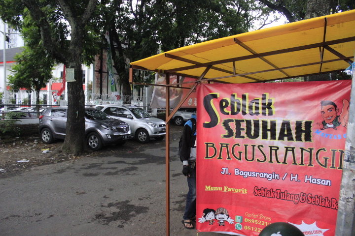 Seblak seuhah bagusrangin / Destinasi Bandung