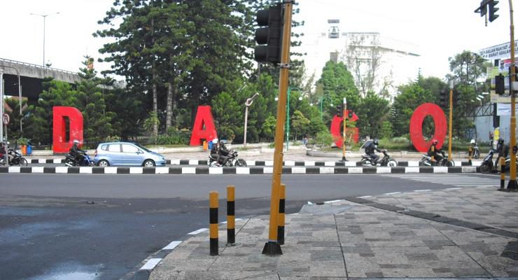 Jalan Dago / Destinasi Bandung