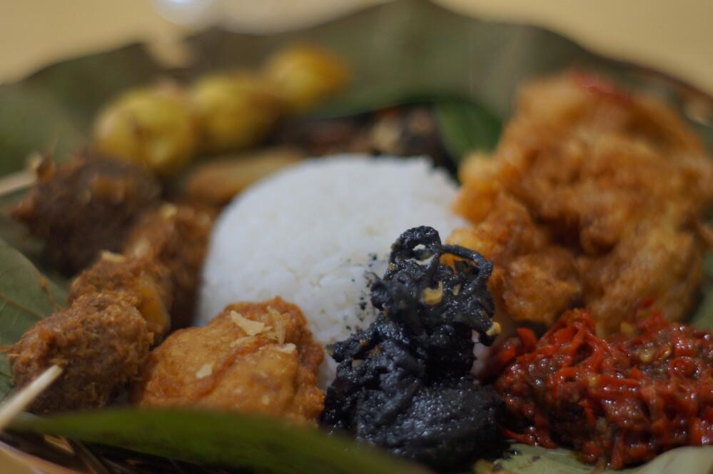 Tempat Makan Kuliner Khas Cirebon Yang Enak Di Kota Bandung Destinasi Bandung